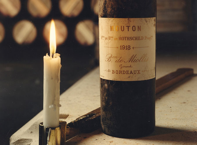 <p>Conditions in the cellars are ideal for keeping wine, with a constant temperature between 12° and 15°, a humidity level between 80% and 90% and little or no light.</p>