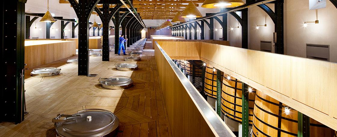 新醸造庫2階、収穫ブドウ搬入スペース
